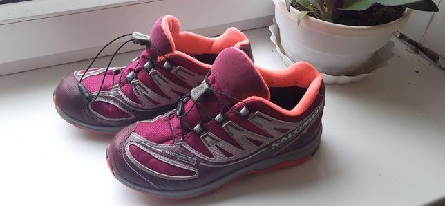 Трекинговые Salomon женские кроссовки для походов путешествий 36.5
