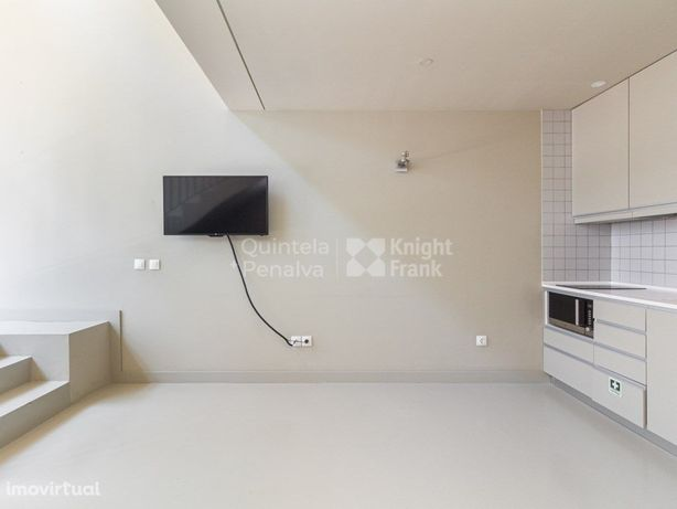 Apartamento T1 duplex sem móveis para arrendar em Massare...