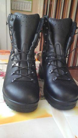 Sprzedam nowe ciepłe buty męskie czarne milicyjne rozmiar 43.5
