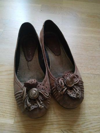 Кожаные туфли-балетки 36 размер