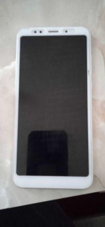 Продам смартфон Xiaomi Redmi 5 Plus 3/32