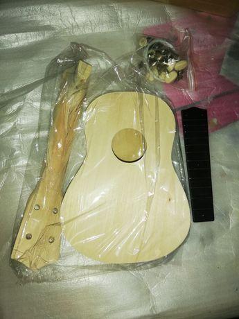 Kit de ukulele para personalizar e construir.