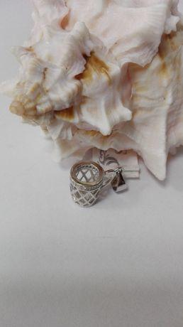 Srebrny wisiorek - kubek, próba 925