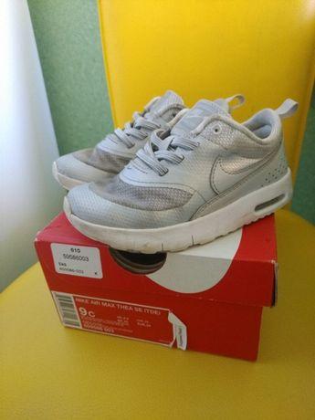 кроссовки фирменные Nike Air