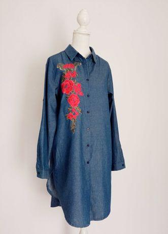 Vestido camiseiro bordado