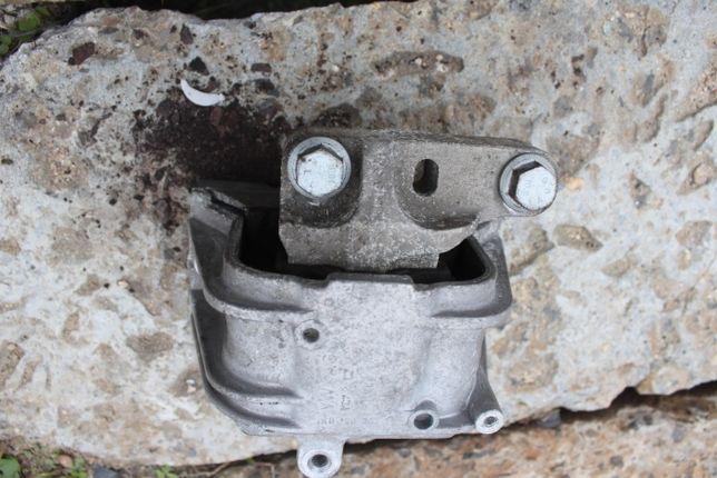 Poduszka silnika VW Golf 5 rok 2007 , 1.4 TSI
