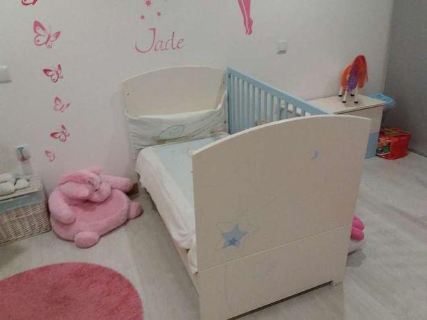 Vendo quarto bebe azul e branco muito bom estado
