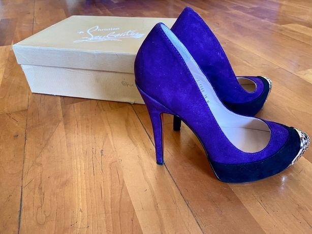 Замшевые туфли лабутен