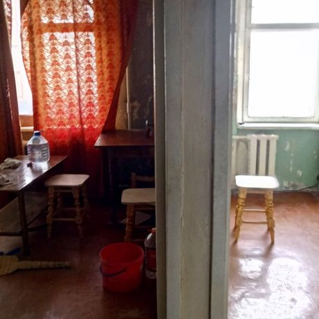 Продам, 1к.кв ул.Аравийская, 5/9, гостинка, 24 м. под ремонт.