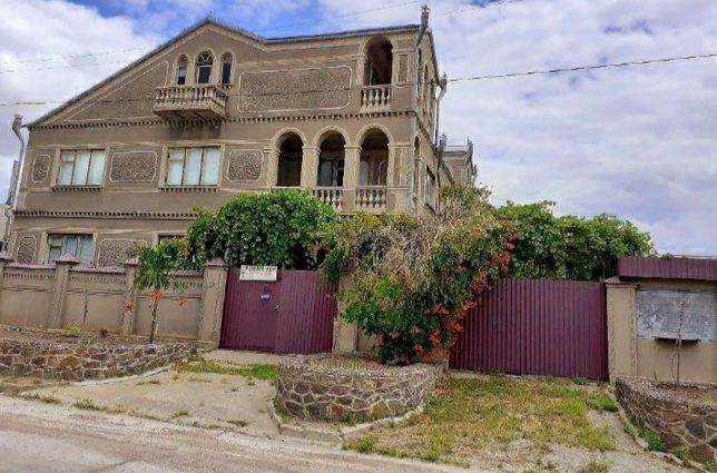 Двоповерховий дім 450 м²