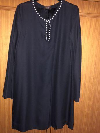 Vestido Preto com pérolas Globe