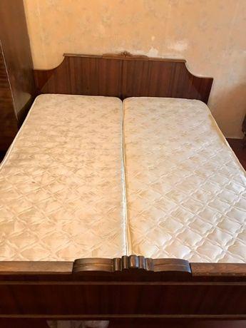 Продаю спальный гарнитур румынского производства.