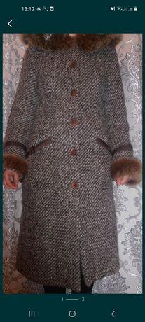 Пальто женское.  .
