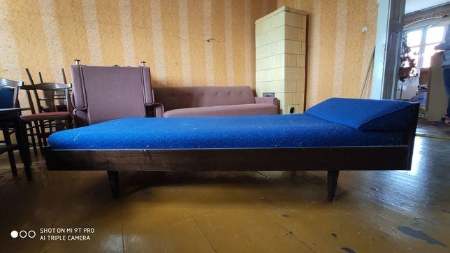 Łóżko drewniane vintage z dobrym materacem