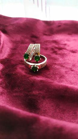 Кольцо и серьги набор серебряный