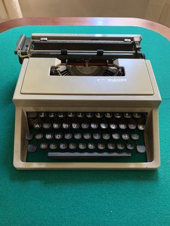 Maquina de escrever Olivetti lettera 31