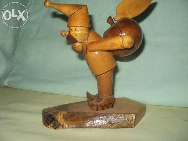 Советские деревянные статуэтки.