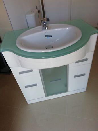 Armário de casa de banho