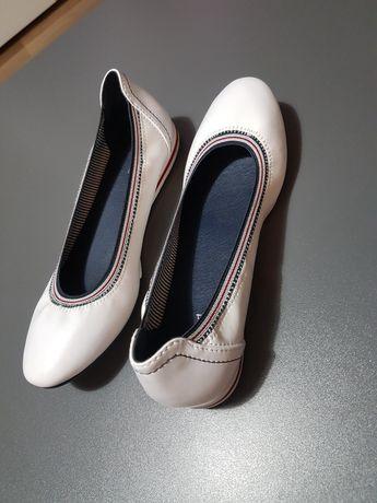 Buty białe damskie balerinki 38 nowe