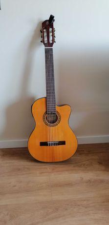 Guitarra Clássica Gomez + Saco + Afinador