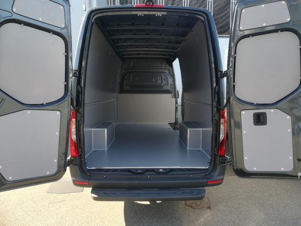 Zabudowa przestrzeni ładunkowej w aucie Opel Movano L3H2