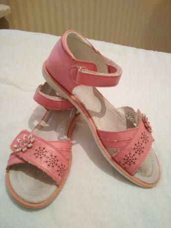 Босоножки сандали р.35