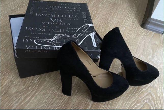 Оригинал! Замшевые туфли Vitto Rossi 38 размер