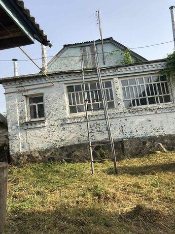 Продам дом в с. Малая Салтановка 34 км от Киева 70 м ул. Киевская 7.