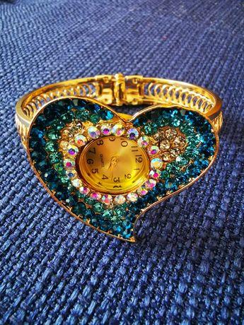 Zegarek kolor złoty serce