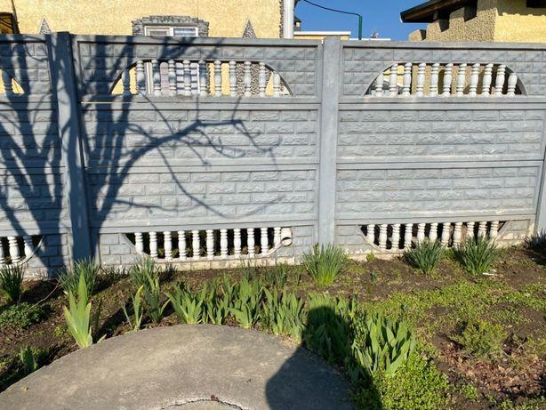 Продаётся красивый, в отличном состоянии Забор разборной бетонный .
