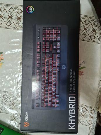 Vendo teclado krom khybrid