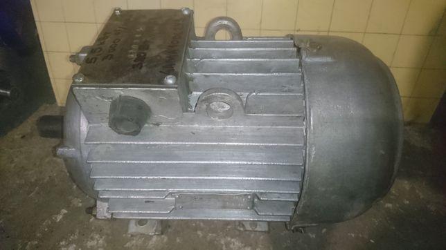 Электродвигатель 5.5квт,3000об/мин