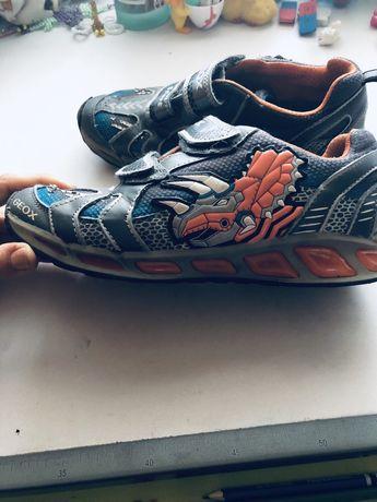 Geox кроссовки 37 размер мигающие