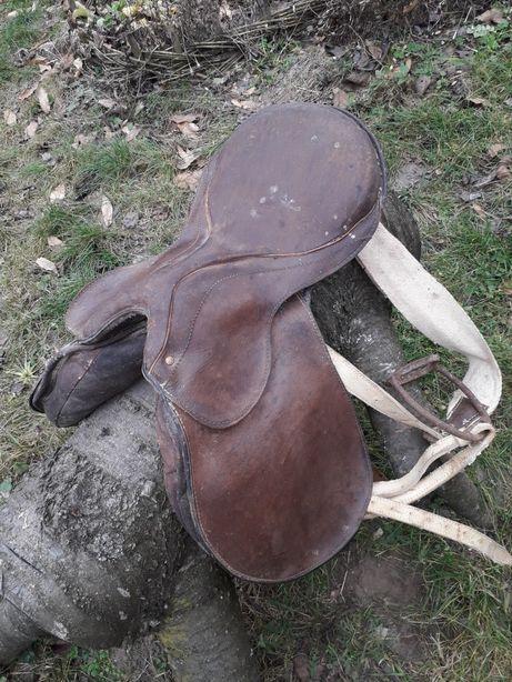 Сідло для коня.