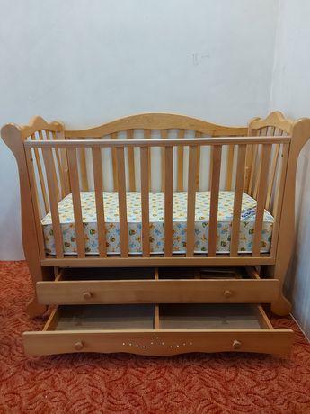 Ліжко дитяче, із стразами (камінцями)