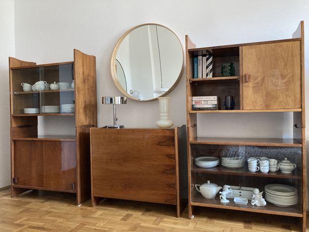 Sprzedam drewniany regał , witrynę ze stołem PRL