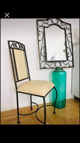 Krzesło metalowe pozłacane w starym stylu