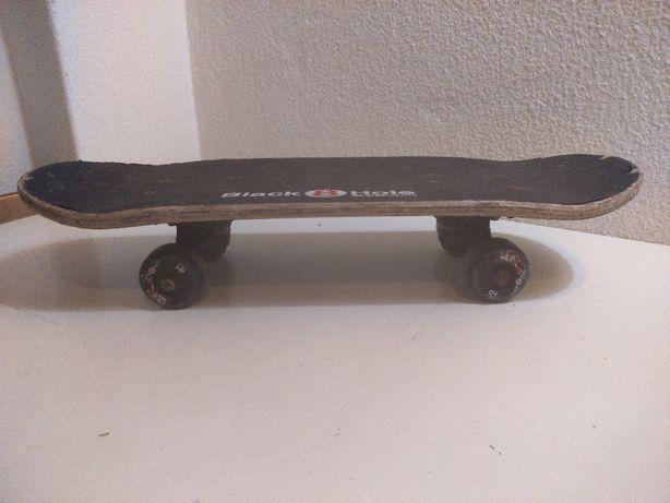 Skate Street Criança Black 8 Hole Skateboards