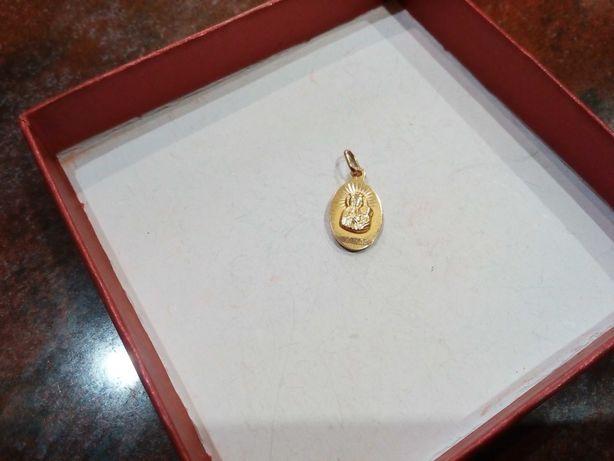 Medalik złoty dwustronny, żółte złoto pr 585.