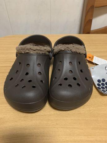 Crocs modelo baya lined kids espresso/khani 33-34 ver descricao