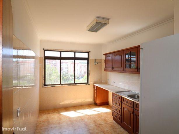 Apartamento T2+1 com arrecadação, muito soalheiro na Rinc...