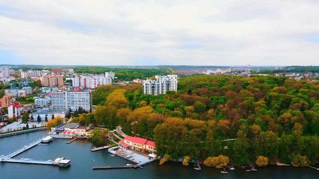 """Трьохкімнатна квартира у ЖК """"Панорама"""" на масиві Дружба,вул. Чумацька,"""