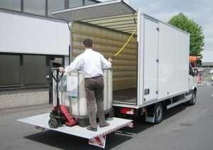 Transport towaru palet, winda załadowcza paleciak, usługi transportowe
