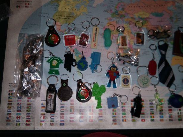 Selos, isqueiros, porta chaves, relógios, galhardetes e livros faturas