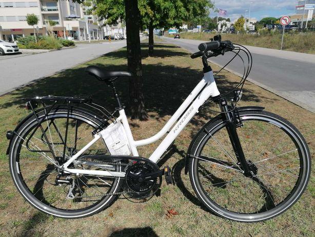 Bicicleta citadina Kross Trans 3.0 White-Grey Lady tamanho M