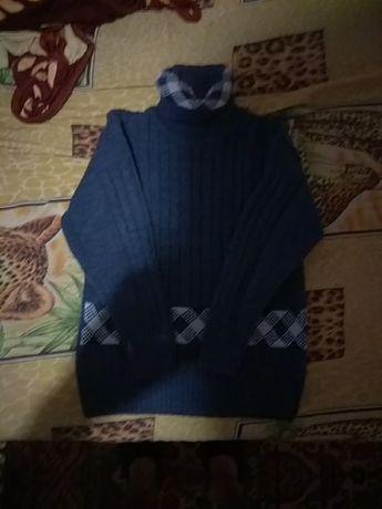 Продам б/у свитера и водолазки торг