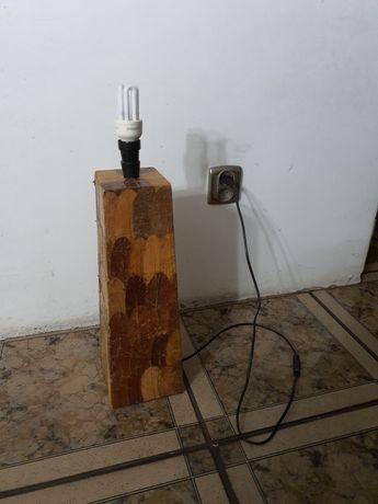 Lampa nocna drewniany