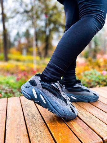 Кроссовки женские Adidas Yeezy Boost 700 ТОП Качество