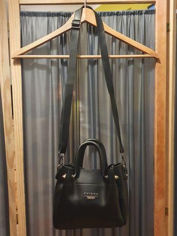 Torebka torba listonoszka czarna Guess mała worek