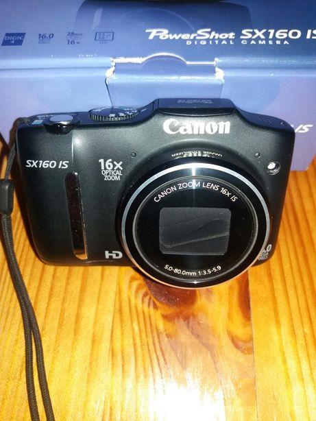 Фотопарат Canon новий